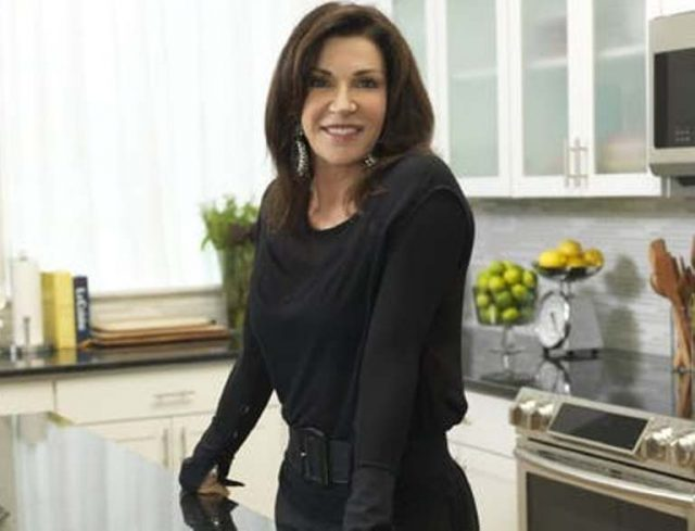 Hilary Farr Body Stats, Age, Son, Married, Husband, Family, Height