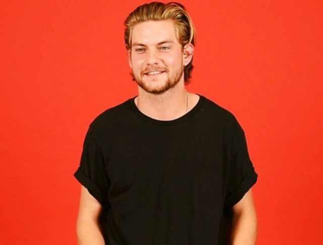 Is Jake Weary Gay? Height, Abs, Body Measurements, Quick Facts