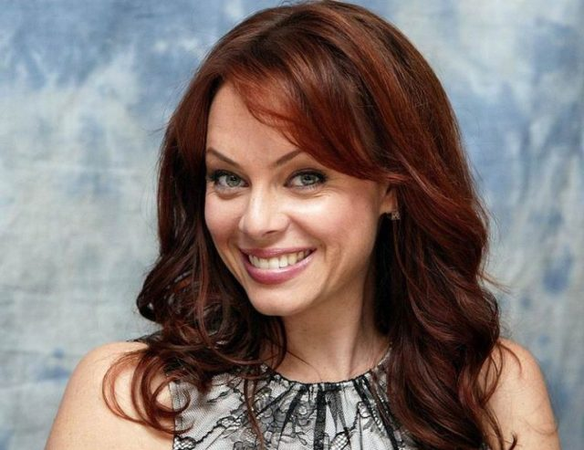 Melinda Clarke: 6 Quick Facts You Need To Know
