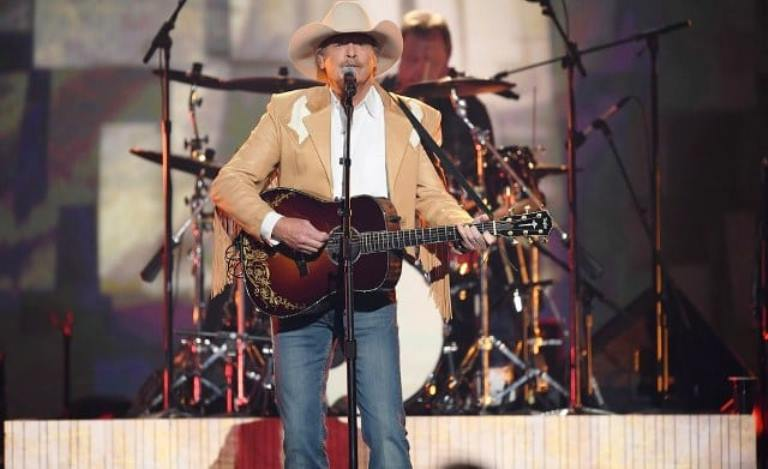 Alan Jackson – Bio, Age, Daughters, Wife, Family, Net Worth, Height