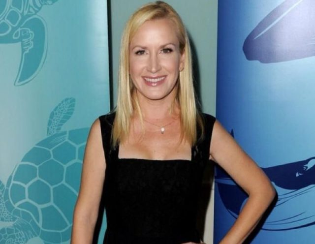 Angela Kinsey Height, Age, Body Weight, Husband, Daughter