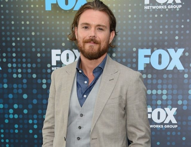 Clayne Crawford Bio, Married, Wife (Sunshine Kiki Brown), Kids, Family