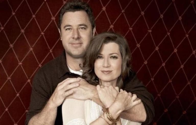 Is Vince Gill Married? Who Is His Wife? Daughter, Age, Height, Bio