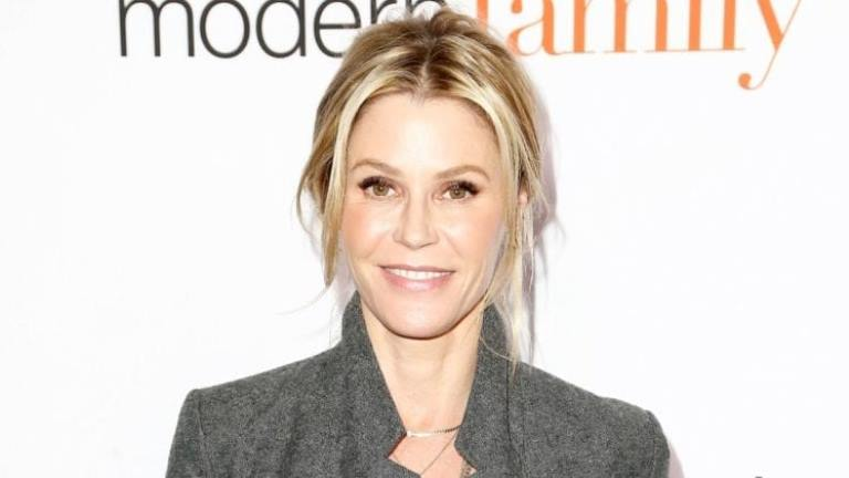 Julie Bowen Biography, Husband – Scott Phillips, Net Worth And Plastic Surgery