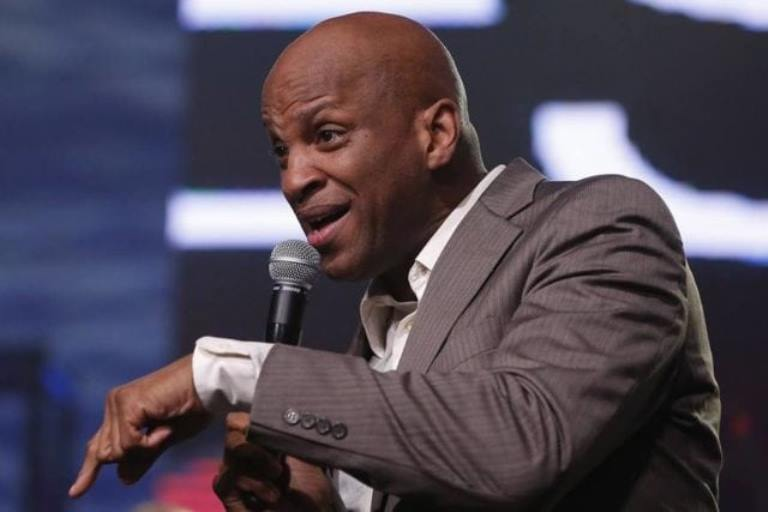 Is Donnie Mcclurkin Married, Who Is His Wife, Son? Is He Gay?