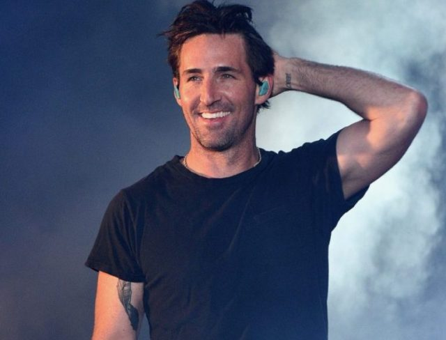 Jake Owen Married, Wife, Twin Brother, Daughter, Divorce, Height