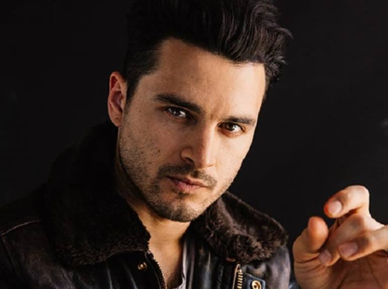 Michael Malarkey Wife, Family, Height, Age, Biography, Other Facts