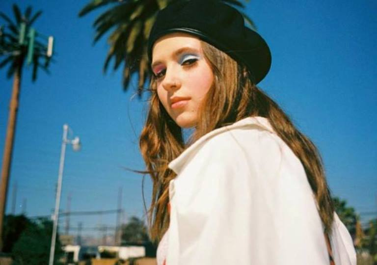 Clairo – Bio, Age, Dad, Family, Facts About The Musical Artist