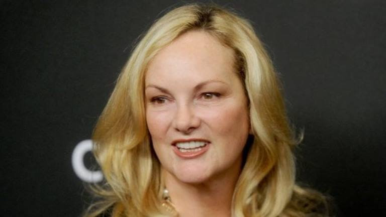 Patty Hearst Bio, Net Worth, Why Was She Kidnapped, Where Is She Today